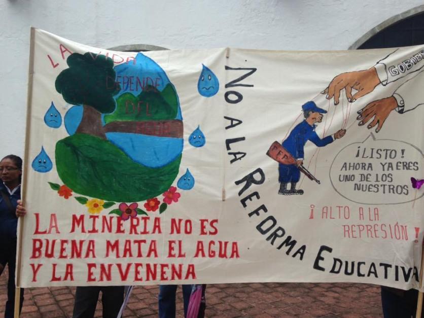 March of the peoples of the Sierra Juárez on June 22, 2016. // Marcha de los pueblos de la Sierra Juarez, 22 de junio del 2016. (Estereo Comunal Yeelatoo)