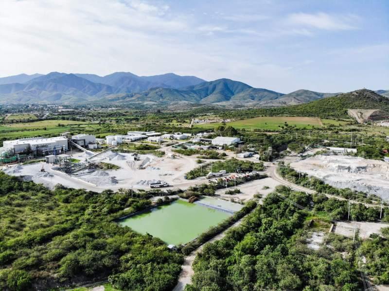 Minera Cuzcatlán mantiene operaciones