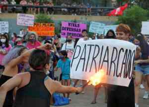 On March 8th, feminists in Mexico say NO to feminicide patriarcal.