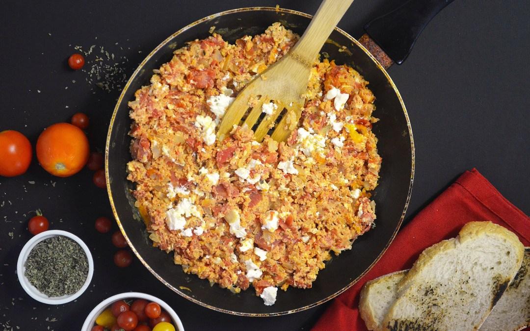 Strapatsada (Eggs with tomatoes)