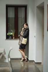 eleonora-milano-map-residence-trapani-total-look-guess