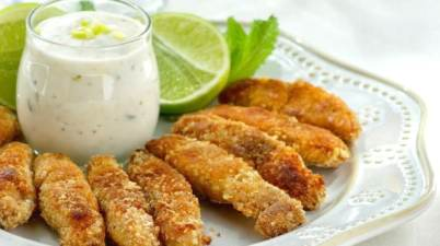 fish finger with tartar sauce, fish sticks,