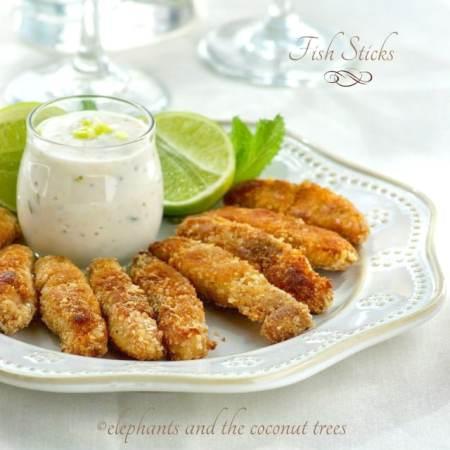 fish finger with tartar sauce, fish sticks,