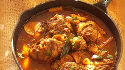 Nadan kozhi curry with potato, Spicy chicken curry with potato