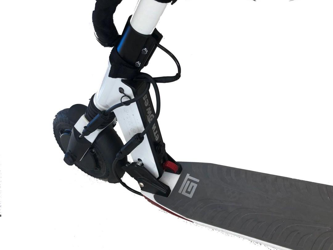 comprar patinete eléctrico dual GT Blanco Rueda delantera