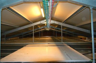 Canalizzazione esterna con struttura grigliata in acciaio