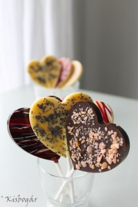 Kisbogár csokinyalóka