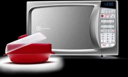 Como descongelar alimentos com microondas Electrolux 20L – MA30S