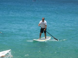élet lakóautóban - Hyeres La Plage, stand up paddle
