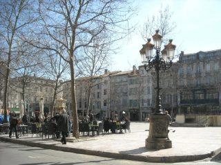 Utazás lakóautóval Carcassonne - Place Carnot