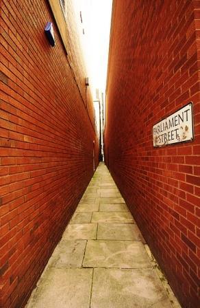 A legkeskenyebb utca - Parliament Street, Anglia, Egyesült Királyság