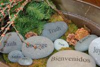 Evangelio apc Piedras con palabras