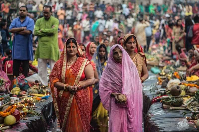 Women Wearing Saris in India