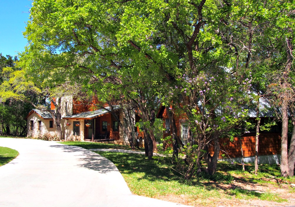 best Austin neighborhoods without HOAs austin lake estates