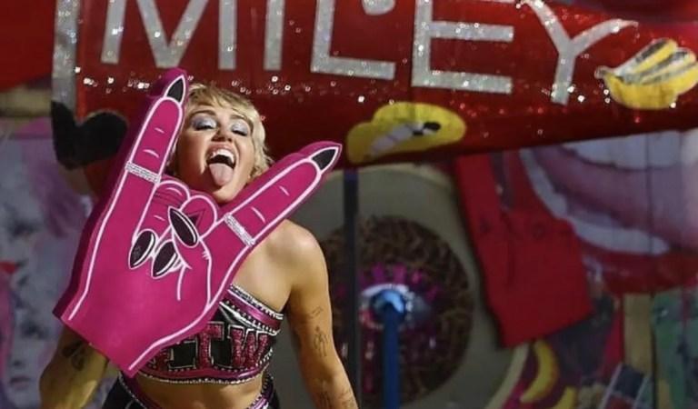 Miley Cyrus cautivó con show previo al Super Bowl cargado de nostalgia ✨🎤