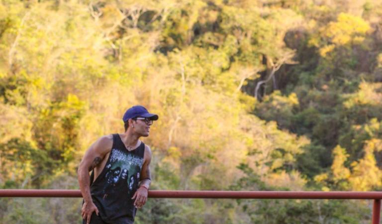 Carlos Bracho cierra un ciclo con «Farandi»