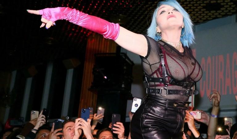 Con peluca y mostrando los pechos: Madonna reapareció para concluir el mes del orgullo gay
