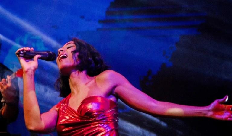 Con un encuentro íntimo: Alicia Banquez prepara una nueva presentación musical 👏🎤