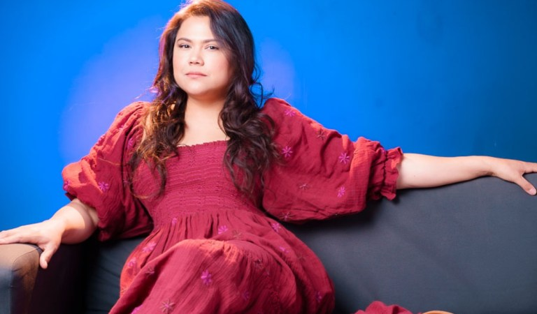 Con un rol estelar en la serie «Selena»: La venezolana Natasha Pérez posiciona su tricolor 🇻🇪📺