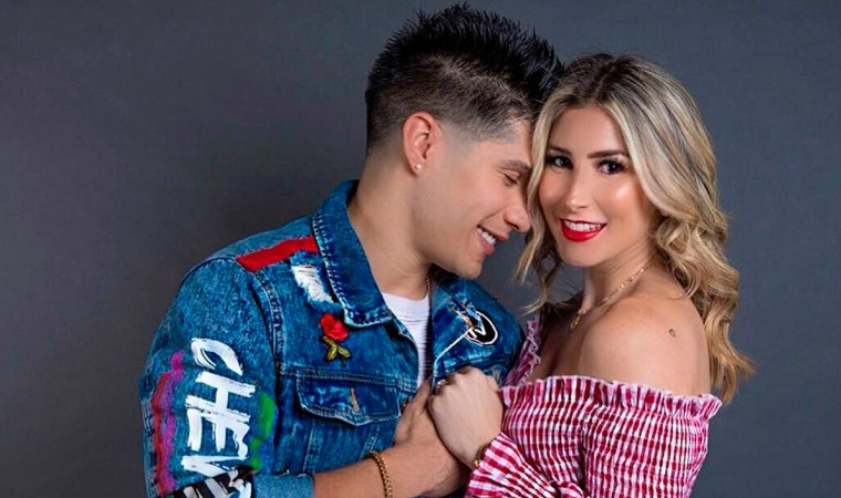 A un año de la infidelidad, Natasha Araos le dejó el pelero a Chyno Miranda 👋🏻👩🏼