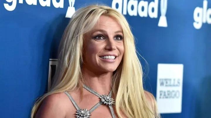 En tanga y de espalda: Britney Spears publicó un nuevo video