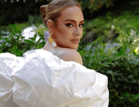 Adele fue invitada a una boda y tuvo más atención que la novia  [FOTAZAS]