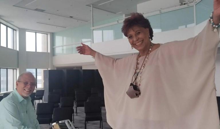 Floria Márquez nos dice: «Aquí estoy»