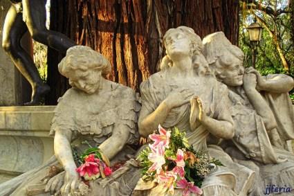 Monumento a Bécquer 2