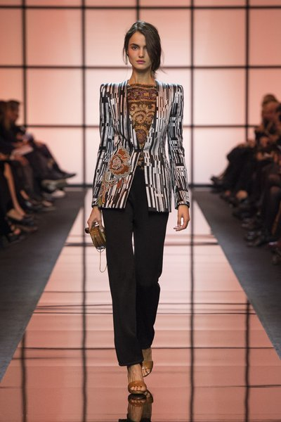 fsfwpa52.02b-fashion-week-paris-haute-couture-f-s-17---giorgio-armani-lowres