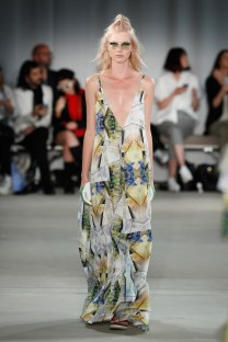 Fashion Week Berlin: Rebekka Ruetz Frühling / Sommer Kollektion 2018