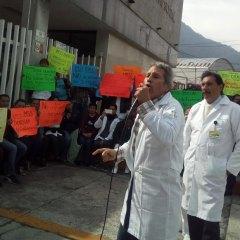 POR INDICACIÓN DEL GOBIERNO FEDERAL, REDUCEN SUELDO A MÉDICOS RESIDENTES