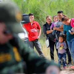 """""""De ser necesario haremos mexicanos a niños migrantes centroamericanos"""" – AMLO"""