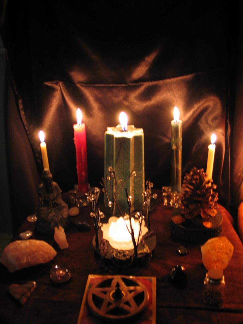yule 2009 altar candlelit