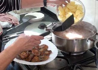 Añadimos las patatas
