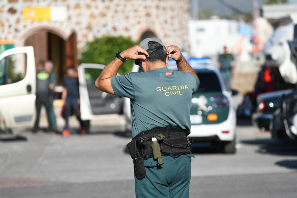 Guardia Civil patera interceptada migrantes marruecos (1)