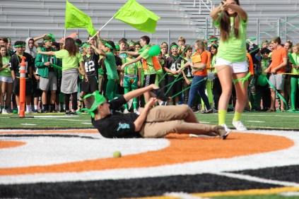 Freshmen compete in Balloon Launch.