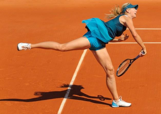 Maria_Sharapova_at_2009_Roland_Garros,_Paris,_France