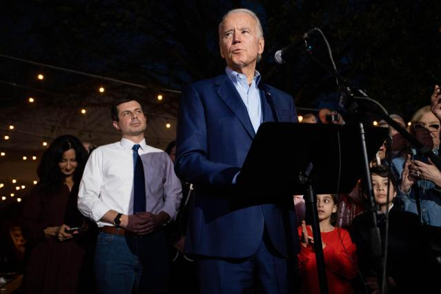US-NEWS-FOR-BIDEN-THE-MIDDLE-HELD-1-AU.JPG