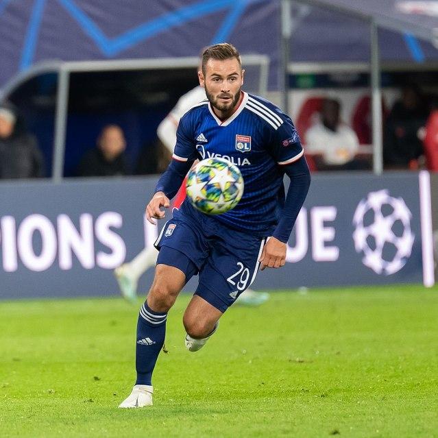 Lucas Tousart (Olympique Lyonnais, 29); Freisteller, Einzelbild, Aktion, action