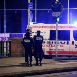 Agentes de policía en la zona del tiroteo. 11-12-2018 | VINCENT KESSLER