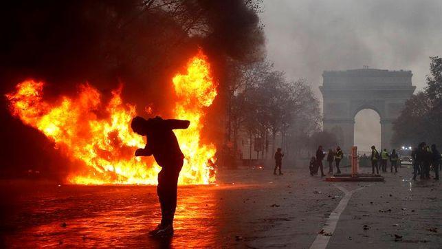 Macron retrocede ante los 'chalecos amarillos'