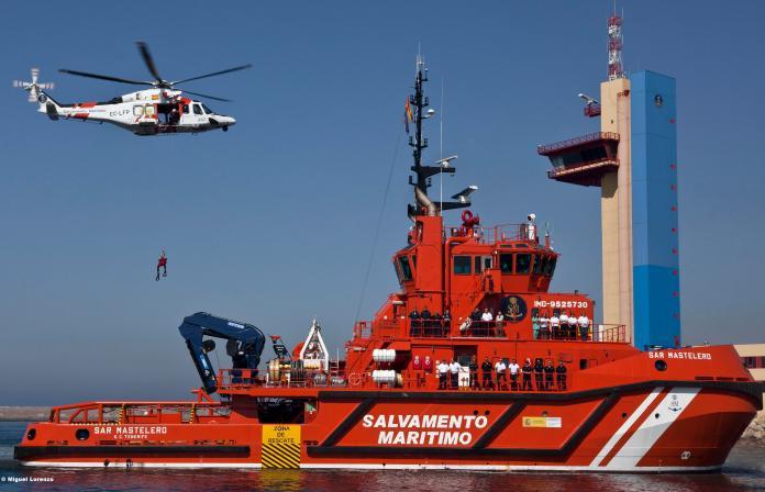 Salvamento Marítimo rescata a más de 200 personas en el mar de Alborán