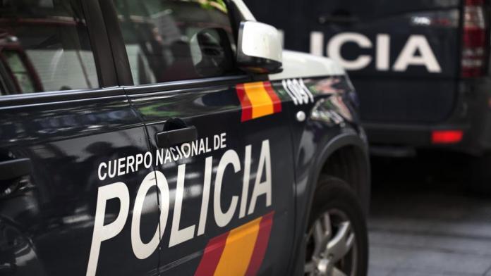 Arrestan a un hombre tras encontrar el cuerpo de su novia descuartizado en un congelador en Alcalá de Henares