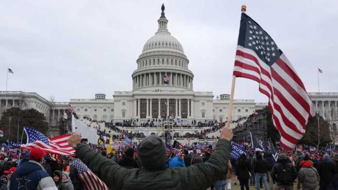 Asalto a la democracia