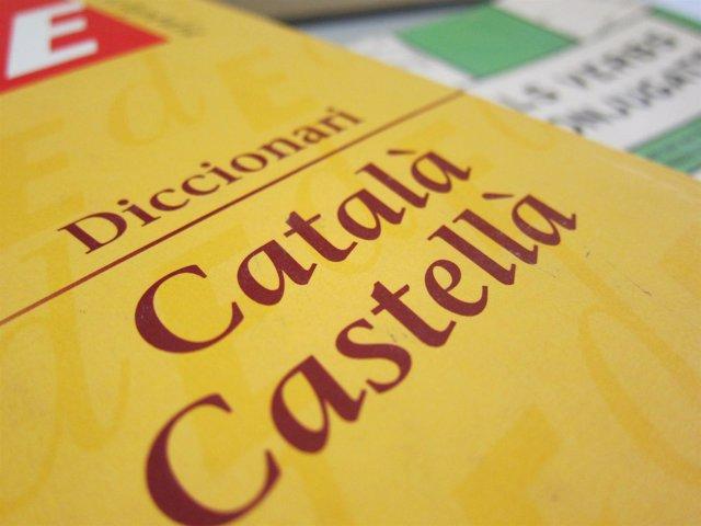 Gracias a la inmersión lingüística en catalán soy completamente bilingüe