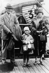 Zelda Fitzgerald junto a su esposo y su hija Scottie.