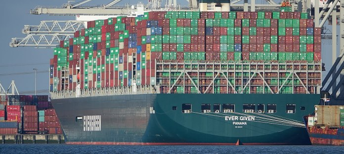La historia del Ever Given, el carguero que puso en jaque al comercio internacional