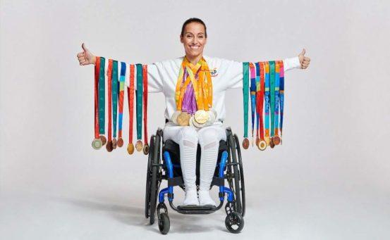 Teresa Perales junto a sus 26 medallas paralímpicas