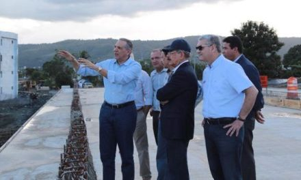 Danilo supervisa avances transformación urbana El Riito en La Vega