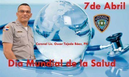 En el Día Mundial de la Salud, el Coronel Oscar Tejeda, policia nacional de San Cristóbal felicita a los médicos, enfermeras, epidemiólogos